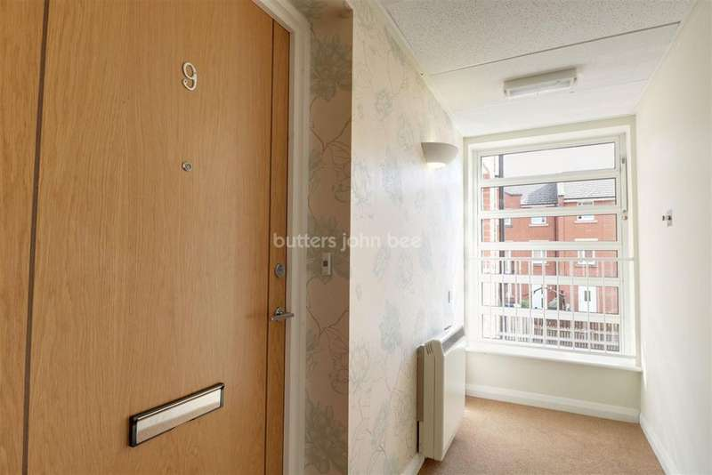 1 Bedroom Flat for sale in Dane Court, Mill Green, Congleton