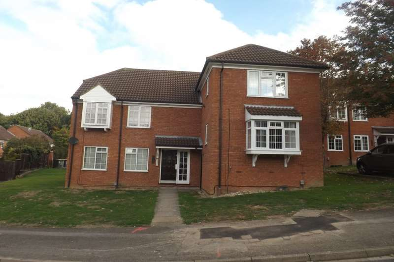 Flat for sale in Bowmans Way, Dunstable, LU6