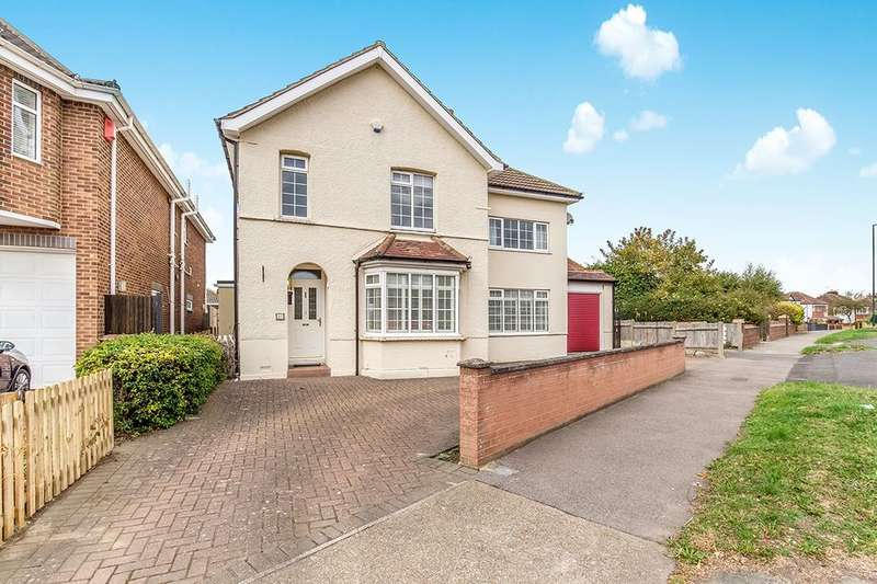 4 Bedrooms Detached House for sale in Brompton Farm Road, Rochester, ME2