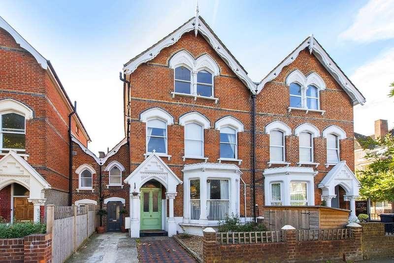 4 Bedrooms Terraced House for sale in Oakfield Road, Stroud Green, London