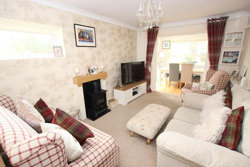 2 Bedrooms Terraced House for sale in Ripon Court, Biggleswade, SG18