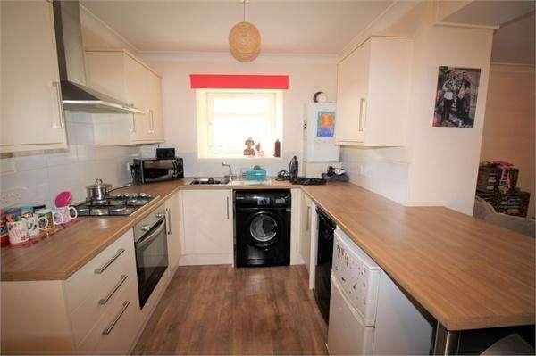 3 Bedrooms Flat for sale in High Street, LESLIE, Fife