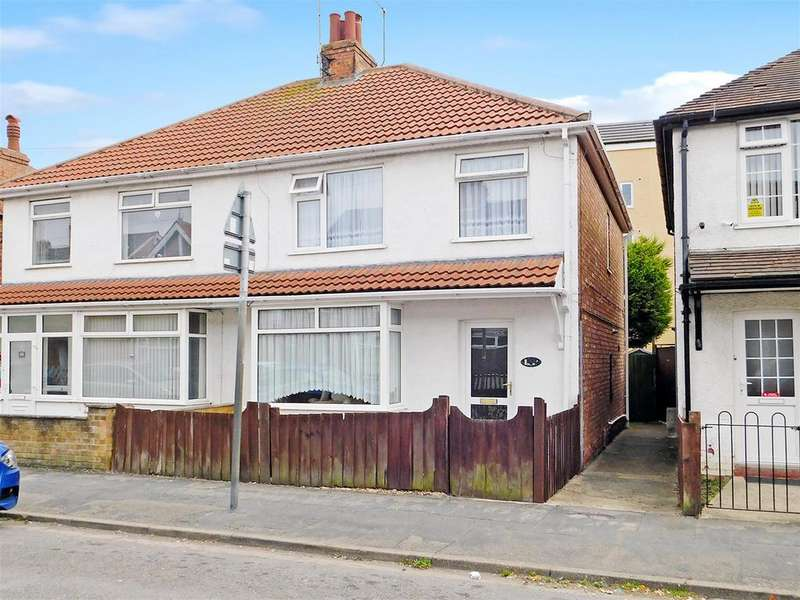 3 Bedrooms Semi Detached House for sale in Cavendish Road, Skegness, Lincs, PE25 2QZ