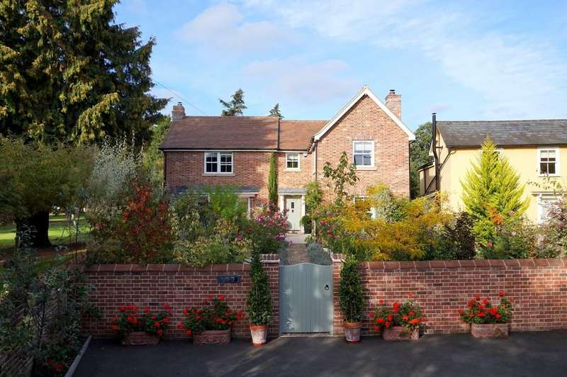 4 Bedrooms Detached House for sale in Cemetery Lane, East Bergholt