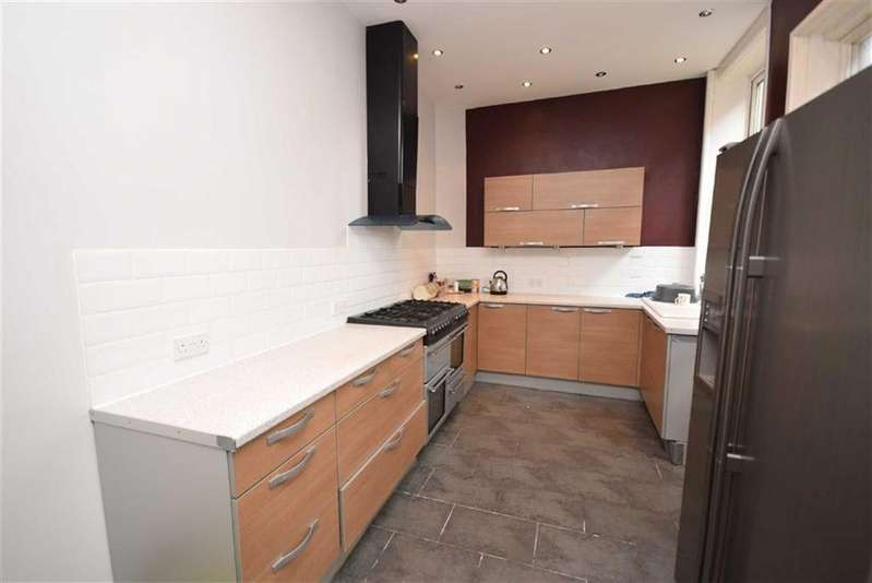 4 Bedrooms Terraced House for sale in Victoria Avenue, Brierfield, Lancashire