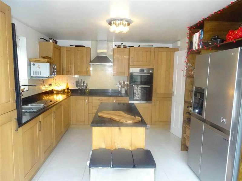 4 Bedrooms Detached House for sale in Masefield Place, Earl Shilton