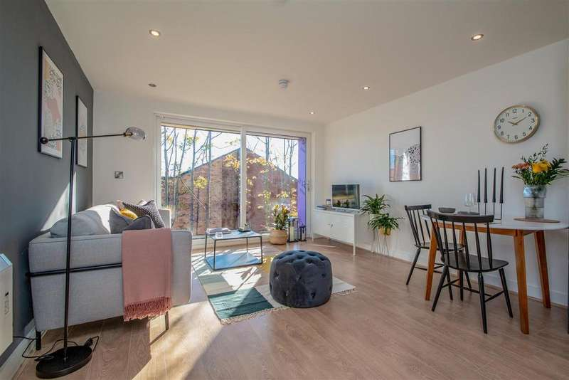 2 Bedrooms Apartment Flat for sale in Constable Court, Hall Lane, Manchester