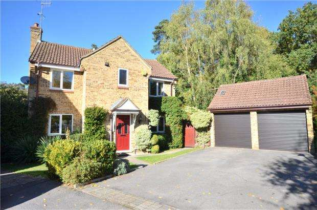 4 Bedrooms Detached House for sale in Popham Close, Bracknell, Berkshire