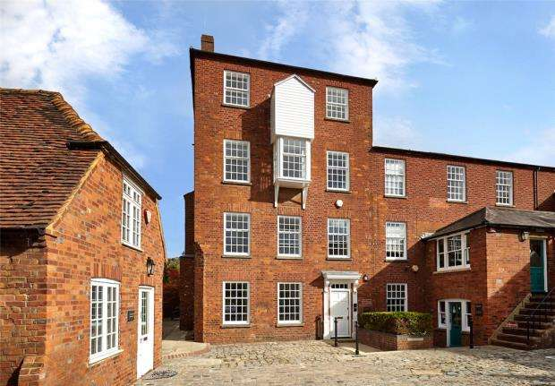 1 Bedroom Apartment Flat for sale in Brewery Court, Theale, Reading