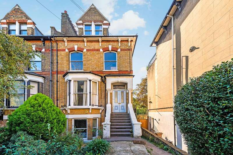 2 Bedrooms Flat for sale in Downs Park Road, Hackney Downs, London