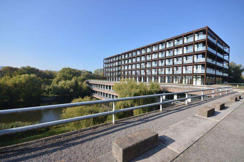 2 Bedrooms Apartment Flat for sale in Lake Shore Drive, Bristol