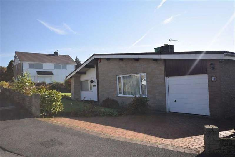 3 Bedrooms Detached Bungalow for sale in Meadow Close, Reedley, Lancashire