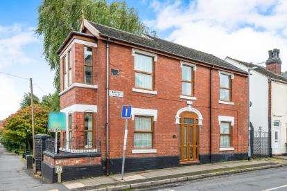3 Bedrooms Detached House for sale in Winifred Street, Hanley, Stoke, Staffs