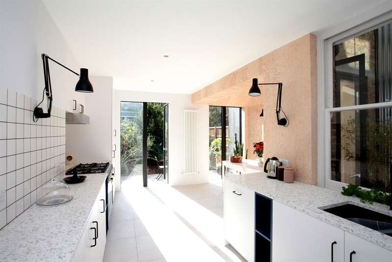 5 Bedrooms Terraced House for sale in Lutwyche Road, London