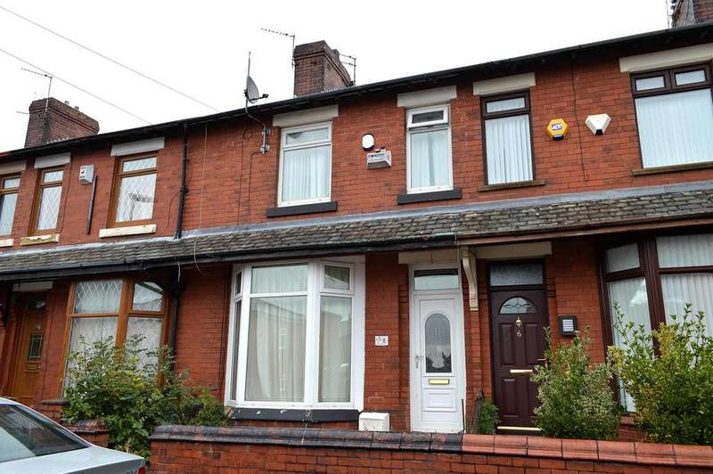 3 Bedrooms Town House for sale in Clovelly Avenue, Hollinwood, Oldham, OL8 3UW
