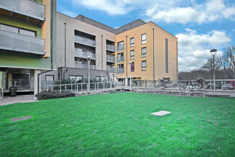 1 Bedroom Flat for sale in Scenix House , South Woodford