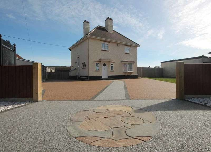 3 Bedrooms Detached House for sale in Oak Cottage, Main Road, Great Holland