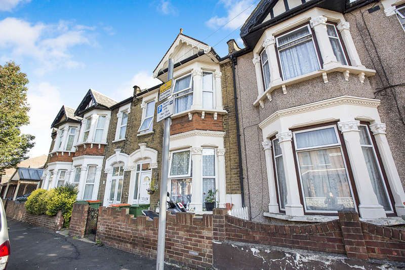 4 Bedrooms Terraced House for sale in Crofton Road, London, E13