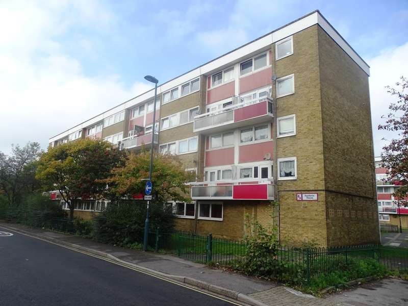 3 Bedrooms Flat for sale in Aquitania House, Kent Street, Southampton