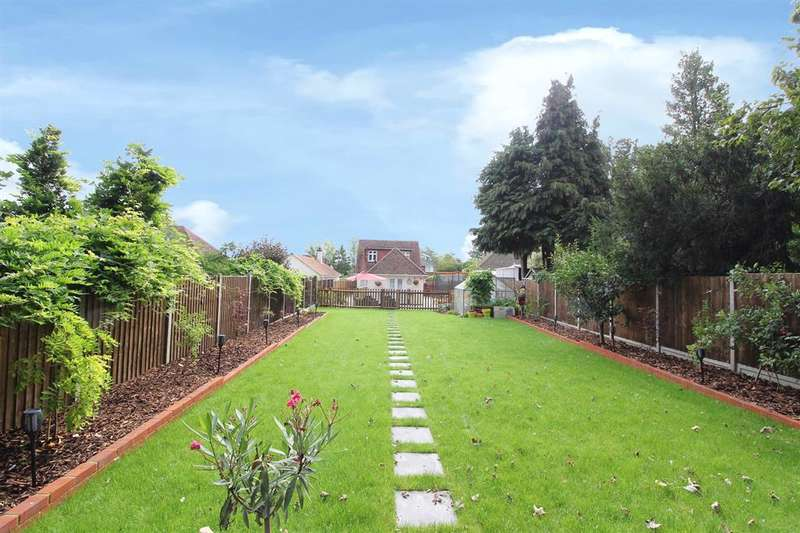 5 Bedrooms Detached House for sale in Kingsnorth Road, Ashford, Kent , TN23