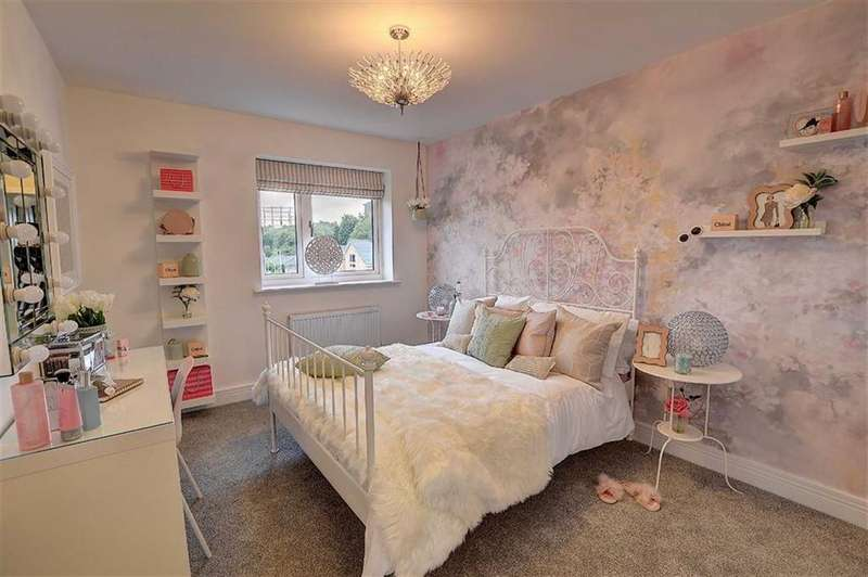 3 Bedrooms Semi Detached Bungalow for sale in Foxhills, Brierfield, Lancashire