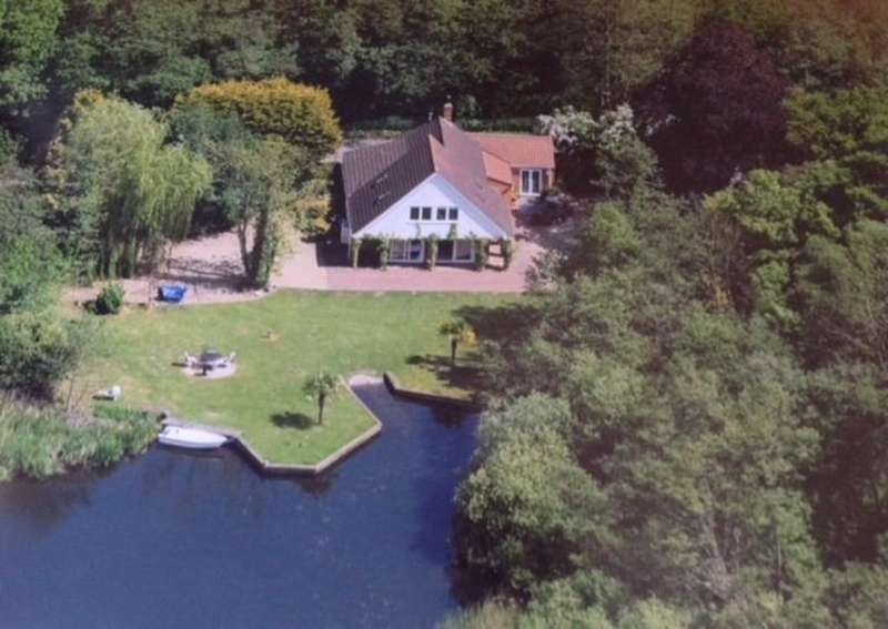 4 Bedrooms Detached House for sale in Ormesby St Michael, Norfolk