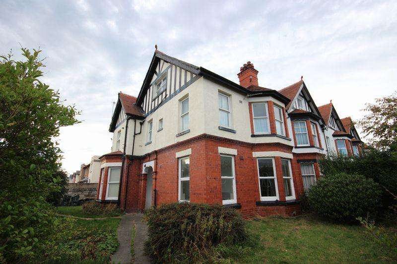 1 Bedroom Apartment Flat for sale in 5 Howard Road, Llandudno
