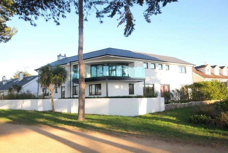 4 Bedrooms Detached House for sale in La Route Orange, St. Brelade