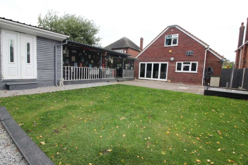5 Bedrooms Detached Bungalow for sale in Thompson St, Willenhall