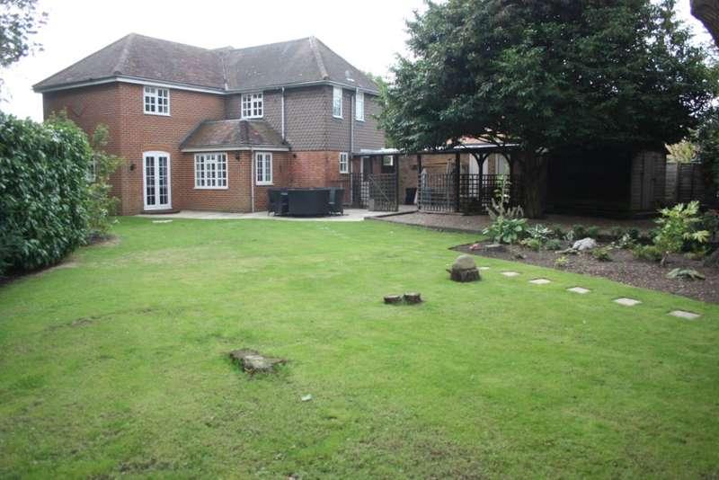 4 Bedrooms Detached House for sale in Manor Road, Wokingham, RG41