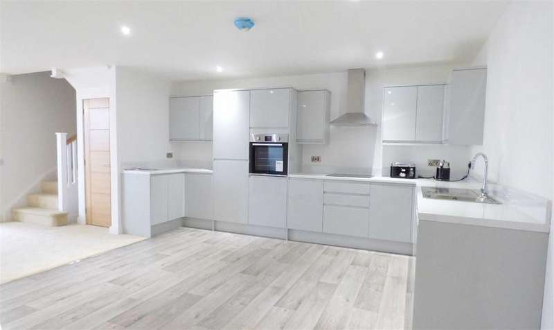2 Bedrooms Semi Detached House for sale in Nursery Lane, Brechin