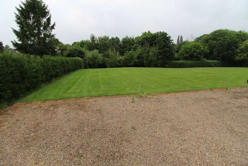 Property for sale in Church Street, Glentworth DN21