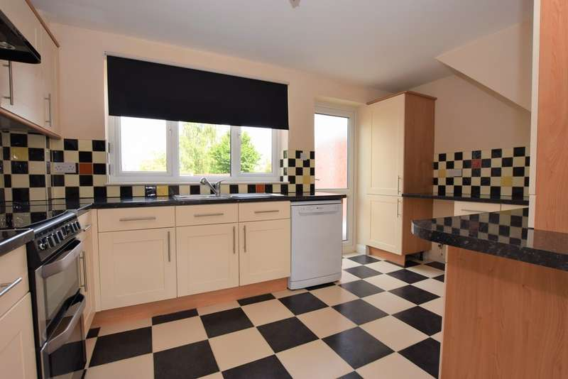 3 Bedrooms Detached House for sale in Featherstone Drive, Burbage LE10