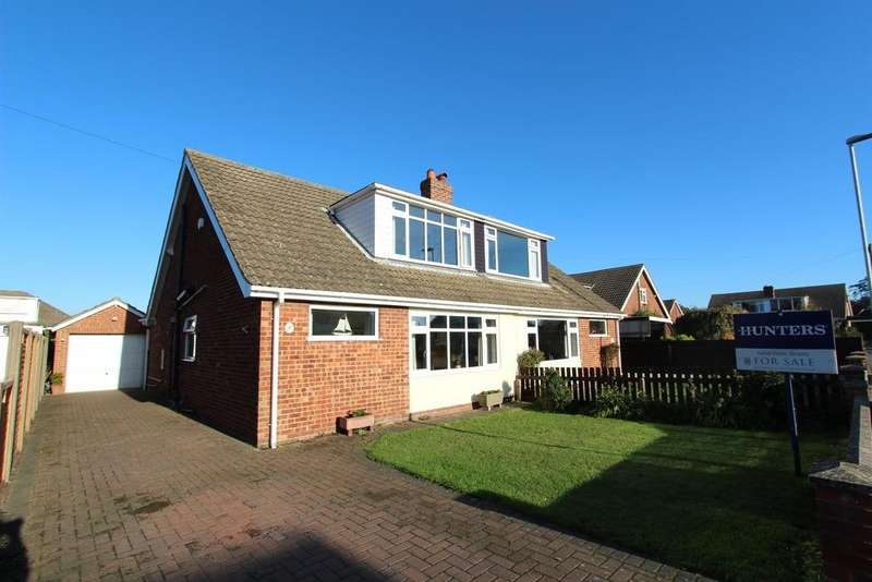 3 Bedrooms Semi Detached House for sale in Hazel Grove, Louth
