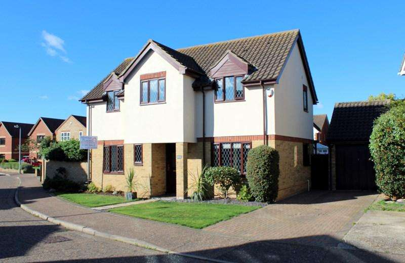 4 Bedrooms Detached House for sale in Granville Way, Brightlingsea, Colchester