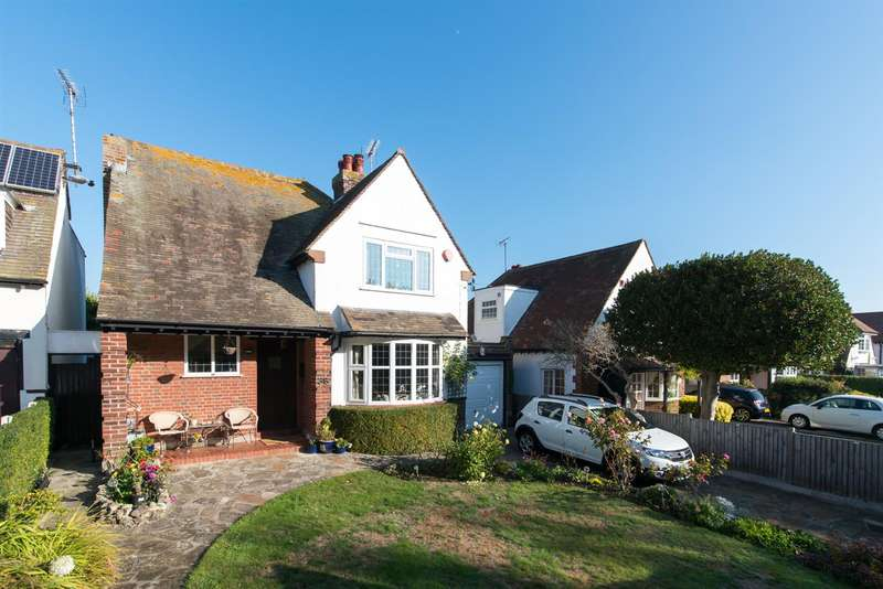 3 Bedrooms Detached House for sale in Carlton Road West, Westgate-On-Sea
