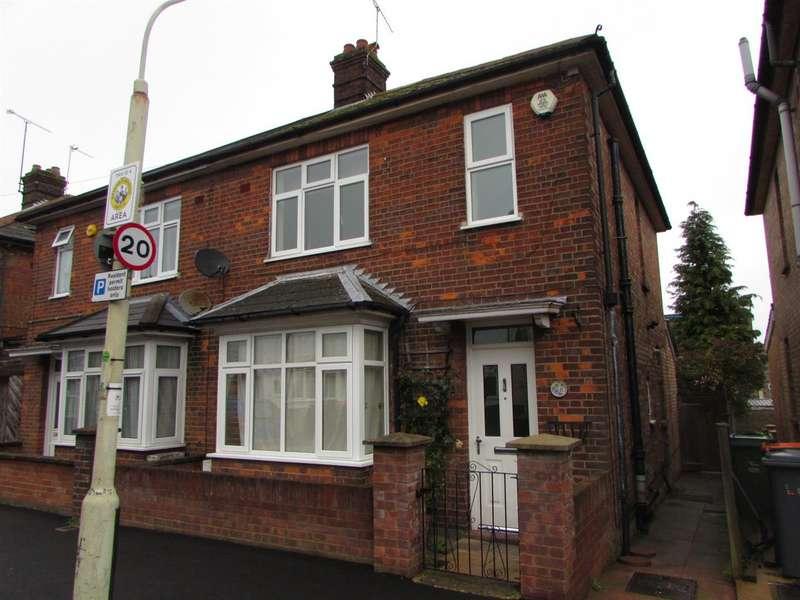 3 Bedrooms Semi Detached House for sale in Stuart Street, Dunstable