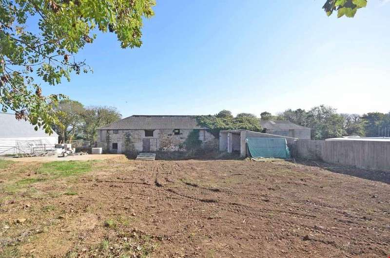 4 Bedrooms Semi Detached House for sale in Carnhell Green, Camborne, Cornwall