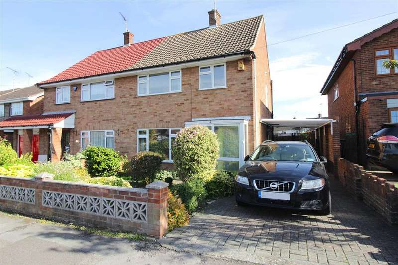 3 Bedrooms Semi Detached House for sale in Tavistock Road, Laindon, Essex, SS15