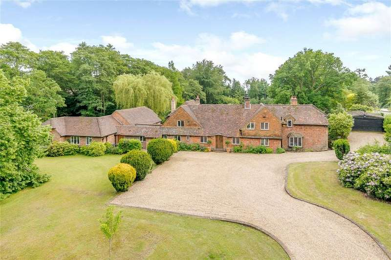 5 Bedrooms Detached House for sale in Littleworth Road, Seale, Farnham, Surrey