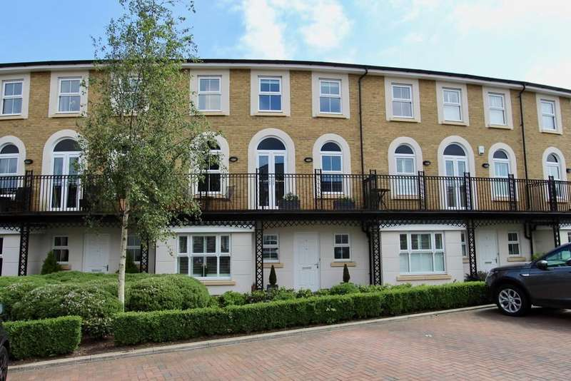 4 Bedrooms Town House for sale in Vallings Place, Long Ditton