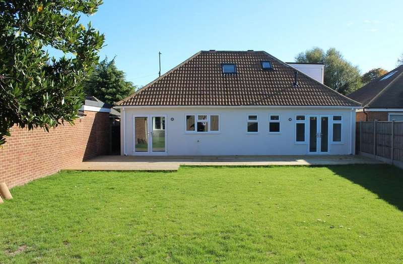 3 Bedrooms Detached Bungalow for sale in Grove Road, Hitchin, SG5