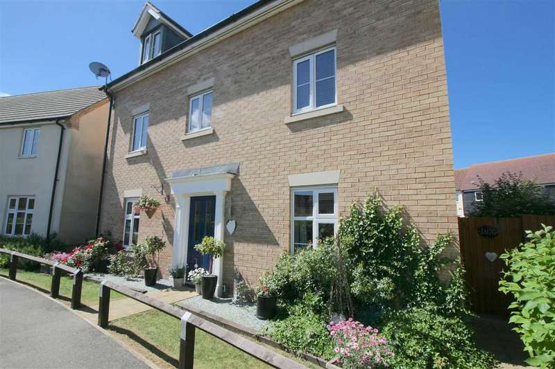 5 Bedrooms Detached House for sale in Sycamore Drive, Bury St Edmunds