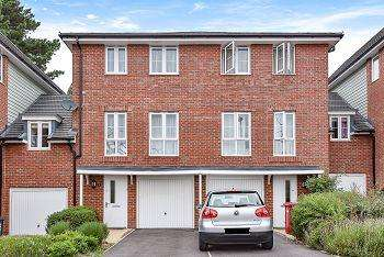 4 Bedrooms Town House for sale in Wyeth Close, Taplow