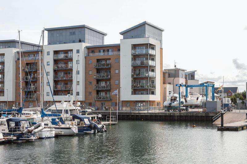2 Bedrooms Apartment Flat for sale in Mizzen Court, Bristol