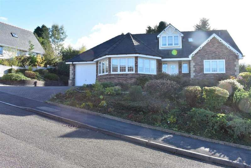 4 Bedrooms Detached House for sale in Brynmawr Avenue, Ammanford