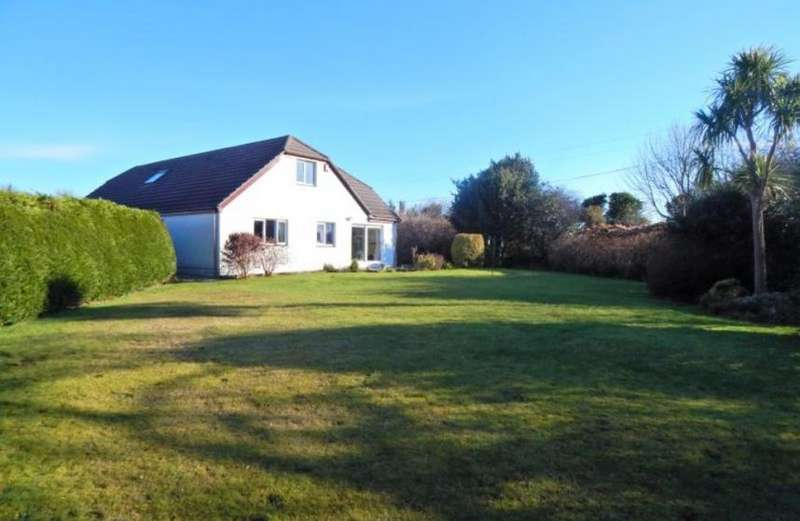 6 Bedrooms Property for sale in Potential for Bed and Breakfast