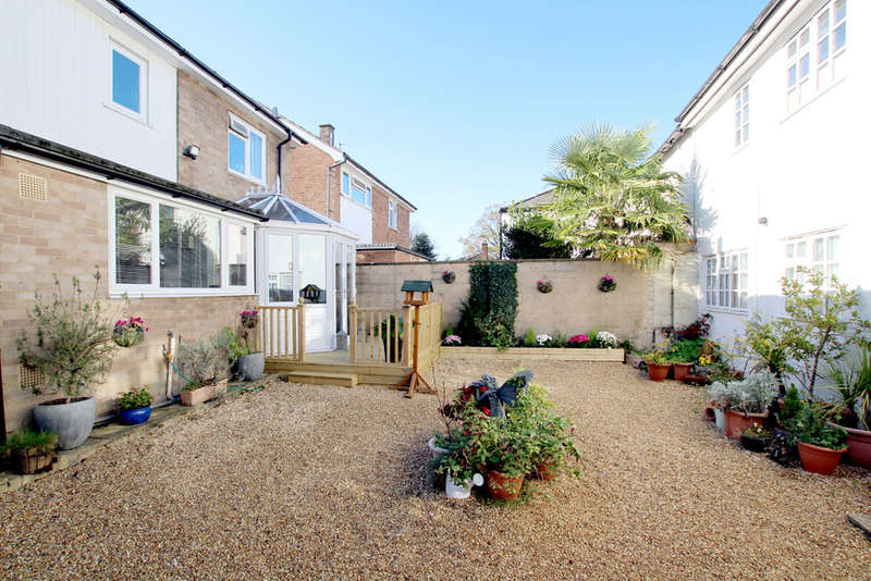 7 Bedrooms Detached House for sale in Green Drift, Royston