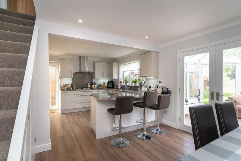 3 Bedrooms Detached House for sale in Claydown Way, Slip End, Luton