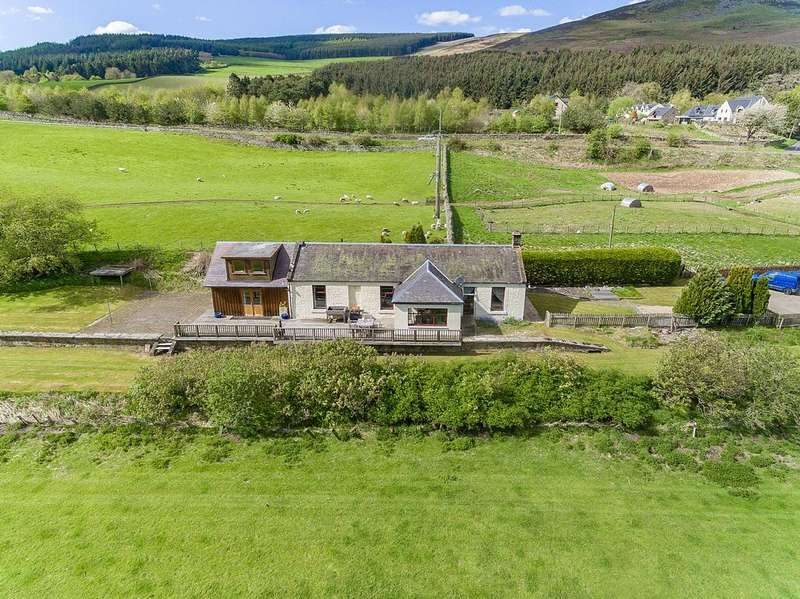 4 Bedrooms Detached House for sale in Station House, Thornielee TD1 3LN